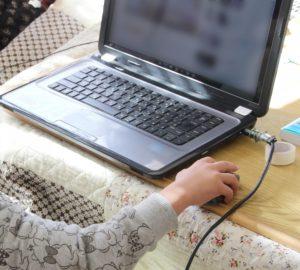 パソコンの使い方の勉強風景